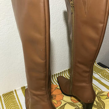 SIZE 6.5 US - Vtg Tan Leather Knee High Boots by Tribecca Studio, Made in Brazil, Block Heel, Zip Up, Fully Lined, Boho Western Cowgirl