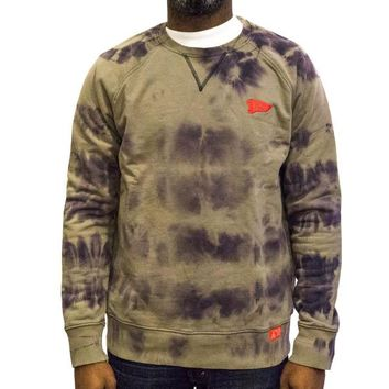 Fearless Washed Crewneck in stone washed olive
