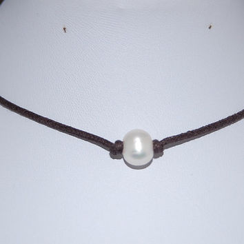 Genuine Pearl Necklace,Freshwater Pearl Leather Chocker Necklace,Choker Necklace,Girl,Chic,Woman,Leather Cord Necklace,Lobster Lock End Cord