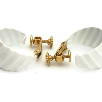 Vintage Napier White And Gold Tone Hoop Clip Earrings - Signed Napier Ribbed Textured White Enamel Hoop Clip On Earrings