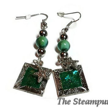 Green Earrings Sparkle Star Earrings  Love Earrings