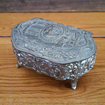 Vintage Ornate Silver Toned Footed Trinket Box Cameo Style Victorian Lady Top With Red Velvet Lining