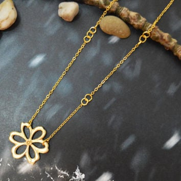 A-166 Flower necklace, Jump ring necklace, Simple necklace, Modern necklace, Gold plated/Bridesmaid/gifts/Everyday jewelry/