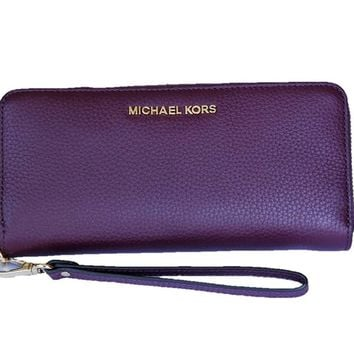 MICHAEL Michael Kors Women's Jet Set Travel ZA Continental Wallet