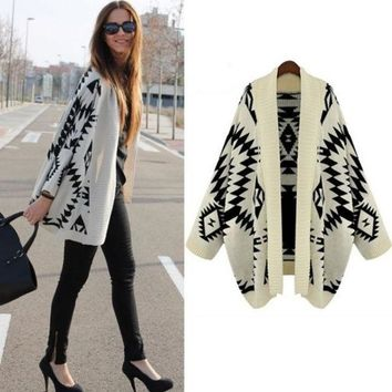 CREYUG3 SUNFASHION Women's Fashion Hot Cheap Sale Apricot Batwing Long Sleeve Geometric Cardigan Sweater (Color Beige) = 1946931140