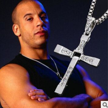 DKF4S N171 2017 The Fast And The Furious Dominic Toretto Vin New Movie Jewelry Classic Rhinestone Pendant Sliver Cross Necklaces Men