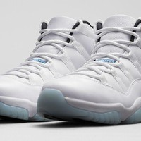AIR JORDAN 11 (Legend Blue)