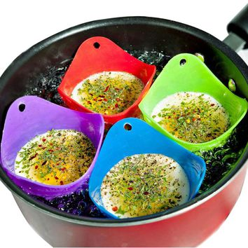 2Pcs/set Hot random color egg poacher silicone pancake egg poach pods baking cup kitchen cookware bakeware tool utensil