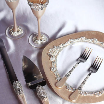 Personalized Wedding glasses and Cake Server Set Wedding cake knife light champagne Personalized glasses Cake cutting, Wedding set of 7