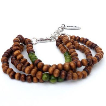 Bracelet with brown wooden beads, green semi-precious stones. Handcrafted brown wristband, bohémien, gypsy style, bohemian wristlet (Carona)