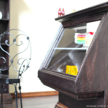 1/6 scale Showcase/Food display cabinet for Coffee shop/Bakery store for dolls (Blythe, Barbie, BJD, Momoko).