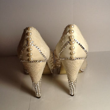 Custom Made Lace Swarovski Pearl Wedding Heels Size 7 1 2 NEW 58b60ad42