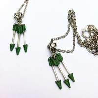 Green Arrow/Oliver Queen - Arrow CW - DC Universe - Inspired Necklace