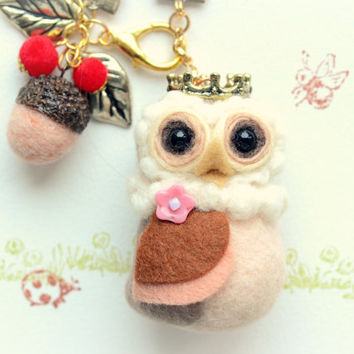 Needle felted owl bag charm with acorn, Royal Owl Collection, wool soft sculpture owl king doll / figurine and acorn