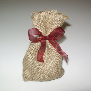 Rustic wedding burlap favor bag, Wedding favor bag, burlap favor bag for wedding, burlap wedding, bag with ribbon,