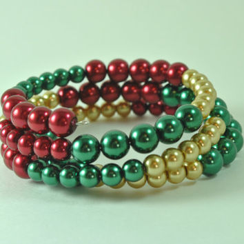 Bangle Christmas Bracelet Jewelry, Stack Bangle Christmas Bracelet, Memory Wire Christmas Bracelet, Red Green and Gold Beaded Bracelet