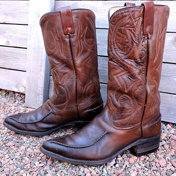 Vintage 60s Cowboy boots / Mens 9 EE / Texas Imperial Boots USA made / brown leather 1960s western boots