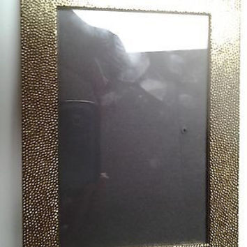 "4""x6"" Textured Gold-Colored Metal Picture Frame"