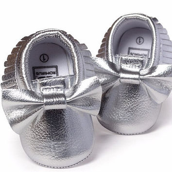 Silver Foil Moccasins, Silver Moccasins, Baby Girl Moccasins, Vegan Soft Sole 3-18 months Infant Shoes Gift Toddler, Baby Shower, Moccs Mocs