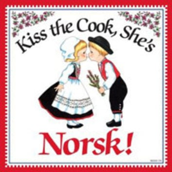 Kitchen Wall Plaques: Kiss Norsk Cook