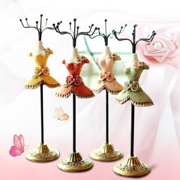 1Pcs Princess Dress Jewellery Display Stands Resin Metal Jewelry Rack Fashion Necklace Display Stand Holder