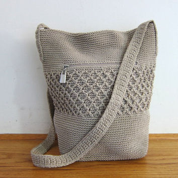 Vintage woven bucket bag. off white beige boho bag / crochet knit handbag