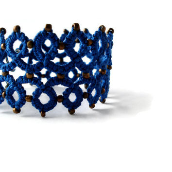 Royal blue tatted bracelet//Beaded lace bracelet//frivolite//Boho bracelet//tatting lace