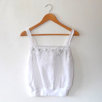 White camisole top / metallic silver / floral embroidered / broderie anglaise / cut out top / vintage / 80s / medium / summer vest top