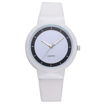 new Fashion Silicone Strap Quartz Casual Watch