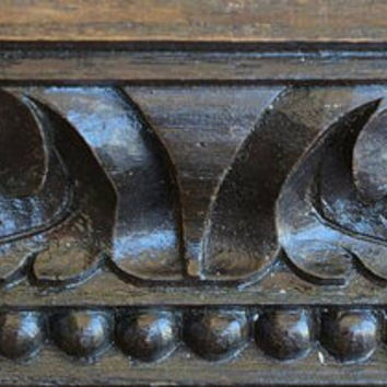Carved wood Crown moulded door pediment c.1740