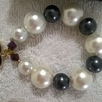 Lovely And Dainty Designer Pearl Stretch Bracelet