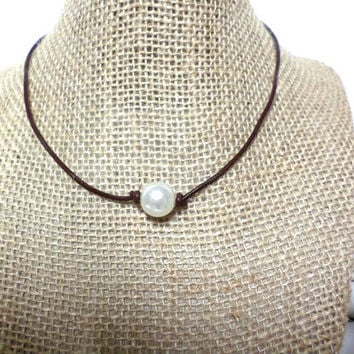 12-13mm White pearl brown genuine leather cord choker necklace, pearl knot choker necklace, white pearl necklace, pearl choker, gift