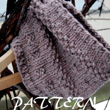 KNITTING PATTERN - Women' Knitting Tube Cowl Scarf Pattern