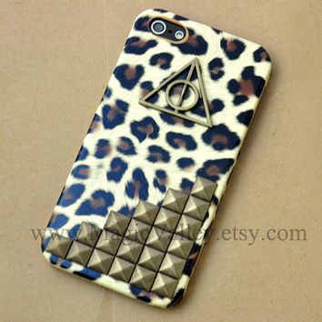 Leopard Iphone 4 case with Harry Potter symbol and by MagicValley