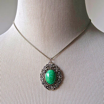 1960's Necklace - Peking Glass Pendant - Jade Green And Gold Metal Vintage Necklace - Costume Jewellery