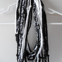 Chain Scarf - Black and White - Fashion scarf