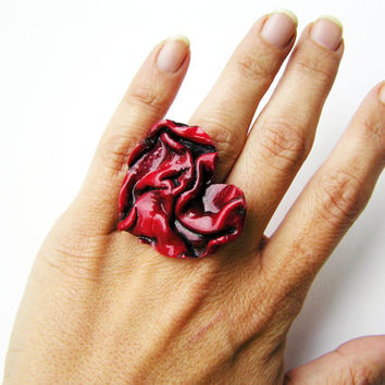 Red heart ring- red ring- heart ring- polymer clay heart- polymer clay ring- polymer clay jewelry- red statement ring- heart statement ring