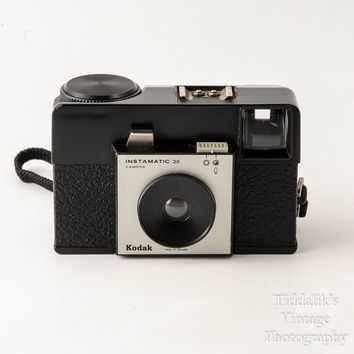 Kodak 26 Instamatic 126 Film Cartridge Camera with Case & Instructions - Working Shutter