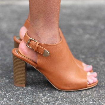 Stella Heeled Sandals {Tan}