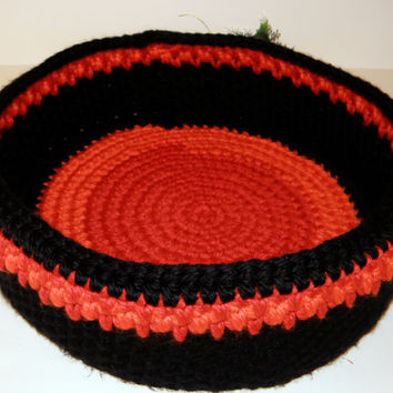 Handmade Cat Bed, Unique Rag Rug Inspired Crocheted Travel Pet Bed Round