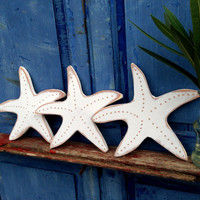 3 Starfish Sign, White Starfish Art sign, Costal Indoor Outdoor Wood Sign, Beach Decor