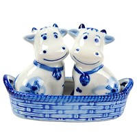 Cows Salt and Pepper Shakers: Cows/Basket