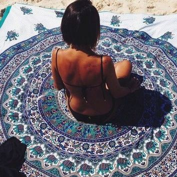 Dorm Tapestry Decorative Wall Hanging Picnic Beach Sheet Coverlet Bohemian Mandala Wall Tapestry  Diameter 150CM