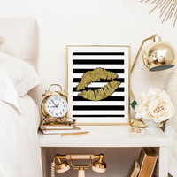 Gold Lips Poster Sexy Lips Gold Foil Modern Art Gift For Her Lips Painting Home Decor Lips Print Watercolor Fashion Illustration FASHION