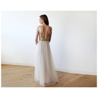 Sleeveless Gold Sequins Maxi Tulle Dress with Open-Back