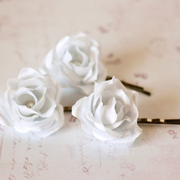 White roses, Bridal hair clips, Wedding flower pins, White rose bobby pins, Hair flowers, Wedding hair accessories. Set of three.