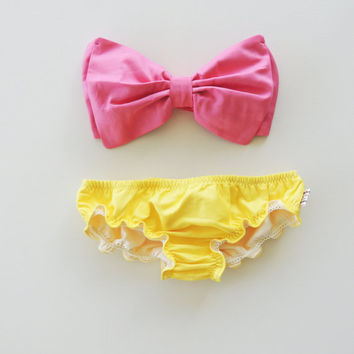 Vintage Bow Bandeau Sunsuit Bikini. DiVa Halter Neck. Bubble Gum Pink  top & yellow curly leg panties. Sexy and cute Pin up Style