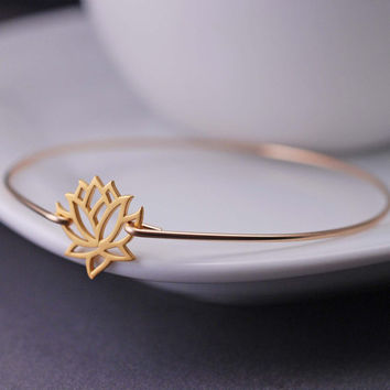 Lotus Jewelry, Lotus Bracelet, Lotus Flower Bangle Bracelet, Yoga Jewelry, Gold Bangle Bracelet, Fall Fashion