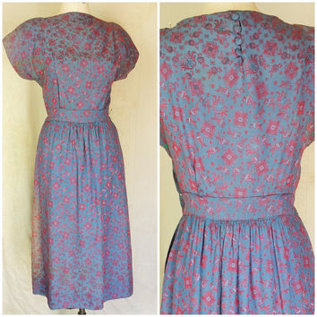 Vintage 1940s Dress / 40s Print Dress / Red and Blue Dress / 1940s  Floral Print / Button Back / World War Two Dress