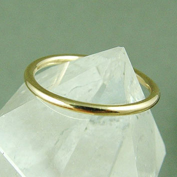 Gold Skinny Ring / Stacking Ring / Simple by fallingleafjewelry